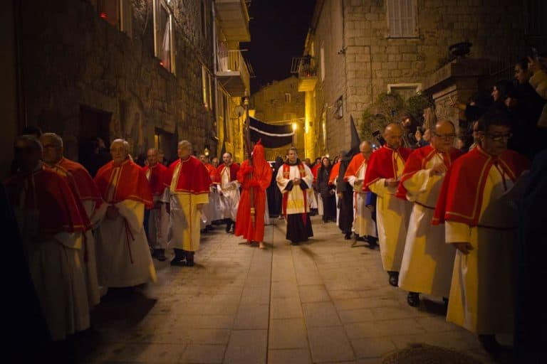 Easter in Corsica : between tradition and religion